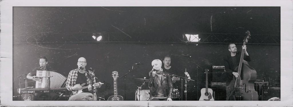 Gravel Roads / Vi ser os desværre nødsaget til at aflyse koncerten på grund af et meget skuffende billetsalg.